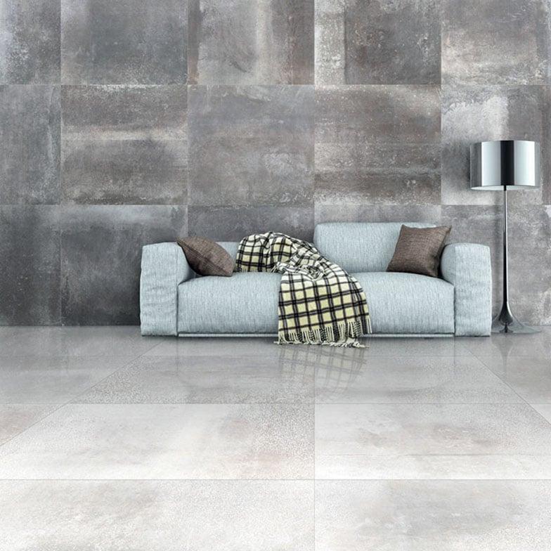 Hemisphere är en stålinspirerad granitkeramik som ger rummet ett modernt industriell känsla med sobert uttryck.
