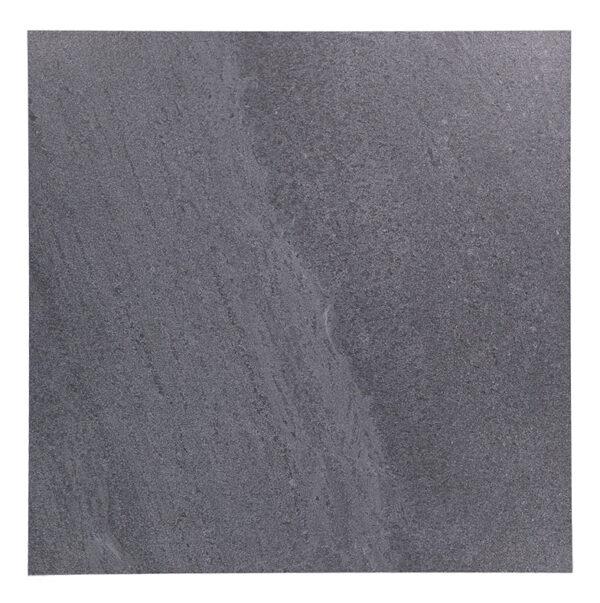 Lakestone black är en del av färgsortimentet.